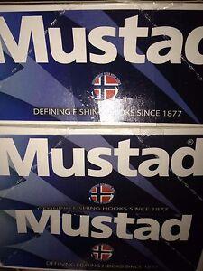 50 Mustad 5/0 Circle Hooks Demon Ultrapoint 39950NP-BL 3X Perfect Live Bait Bulk