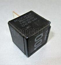 R87/ Audi VW Seat Skoda Black-100 Contact Close Relay 95VW10K705CA/ 7M0951253A