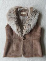 INTOWN Women's Beige Faux-Suede & Faux-Fur Gilet Jacket. Size UK 12, Euro 40.