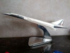 Avion Concorde longueur 46cm ,tout en aluminium poli avec son socle, neuf