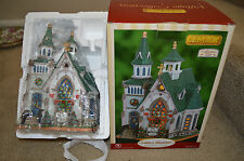 RARE Lemax Lighted House CADDINGTON Village CEDAR VALLEY CHURCH 2006 #65420 NEW