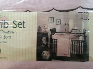 Lambs & Ivy Classic Pink 4 Piece Crib Set - new
