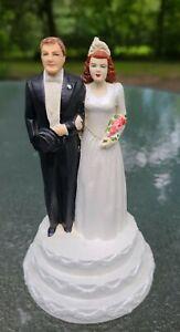 """Vintage 1960's Wedding Cake Bride & Groom Topper on Wedding Cake~Brunettes 5.5""""T"""