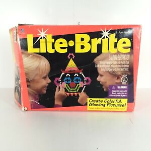 TESTED WORKS Vintage 1994 MILTON BRADLEY Hasbro Lite Brite With Sheets, Pegs