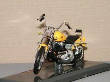 Harley Davidson FXDWG Dyna Glide Wide Jaune Maisto 1 18 ref 19139