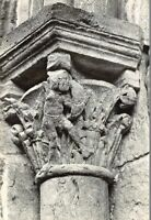 Montceaux-l'Étoile - Eglise romane - détail du chapiteau