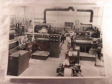 altes Foto alte Fotografie Arbeit Industrie Werkhalle Maschine Kabel 24,2x18,0cm