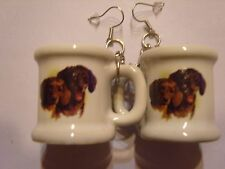 Ohrringe mit weißem Krug aus Keramik mit 2 braunen Dackel Teckel Hunden 3094