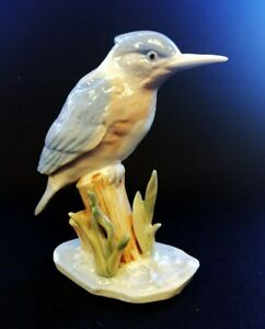 Porcelain Kingfisher Perched On Stump 16cm Tall | FREE Delivery UK*