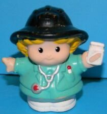 Fisher Price Little People 2001 Paramedic EMT Nurse Sarah Blonde Woman