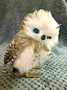 White Owl Ornamental 17cm with real feathers