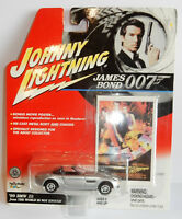 DIE CAST JOHNNY LIGHTNING  JAMES BOND 007 THE WOLRD IS NOT ENOUGH BMW Z8 1/64 c