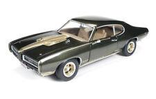 1969 Pontiac GTO Hardtop Royal Bobcat 1:18 Auto World Ertl AMM1042
