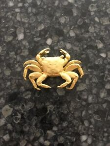 Exquisite and Unique 18ct Yellow Gold Crab Brooch