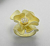 Solid Sterling Silver Vermeil 14K Yellow Gold Lily SPARKLING Ring sz 7