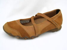 """Women's 8M Skechers Mary Jane's Light Brown Leather & Suede 1¼"""" Heels Good Cond."""