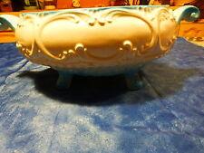 beau plat coupe a fruit porcelaine  ,blanc un peu de bleu ans 60-70