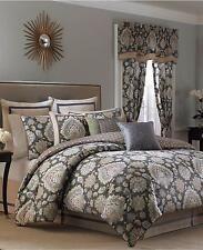 Croscill Blythe Queen Reversible Comforter Set 3 pc. (Comforter + 2 Shams)