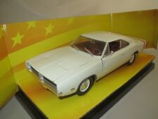 """Ertl/American Muscle  1969  Dodge  Charger  R/T  """"cremeweiß""""  1:18 OVP !!!"""