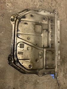 GENUINE VW EOS METAL ENGINE UNDER TRAY SUMP COVER SKID PAN 1Q0 825 237 A