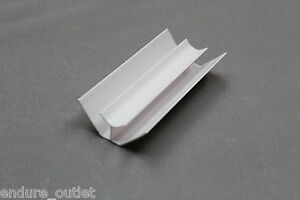 PVC CLADDING INTERNAL CORNER 8MM X 2.6M WHITE FOR WALL AND CEILING TRIM