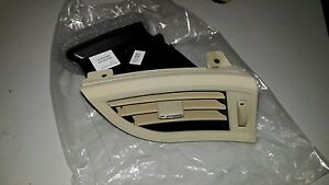 Buick Lacrosse Dash Board Air Vent Outlet GM 09004008