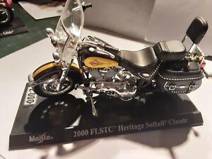 Miniature moto Maisto ech 1/43 Harley Davidson 2000 FLSTC Heritage softail...