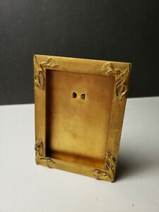 SWEET VINTAGE BRASS TONE MINIATURE PICTURE FRAME WITH EASEL