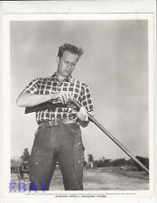 Charlton Heston w/rifle VINTAGE Photo candid 1952