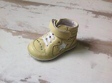 P19 - Chaussures Fille NOEL NEUVES - Modèle Mini ACTUEL Citron (73.00€)
