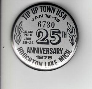 1975 TIP UP TOWN BADGE PIN PINBACK-MICHIGAN DEER BEAR FISHING PATCHES
