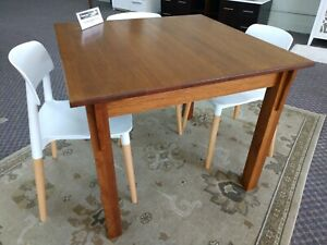 """MISSION STYLE SOLID WOOD RED OAK SQUARE DINING TABLE 36"""" x 36"""" x 30"""" ***NIB***"""