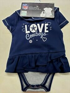 DALLAS COWBOYS OFFICIAL NFL 3 PC INFANT PLAY YOUR BEST CREEPER, BIB & BOOTIE SET