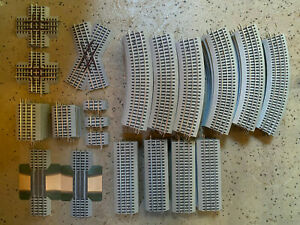 Lionel 87 Piece Fastrack Large Clean Variety Lot.  Starts at $1 with NO RESERVE