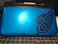 √ 1x BLACK OUTLINED MONSTER HUNTER 4 ULTIMATE DRAGON LOGO DECAL FOR 3DS XL √