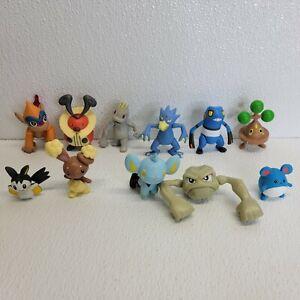 Lot of 11 Assorted Pokemon TOMY Jakks Pacific PVC Action Mini Figures Toys