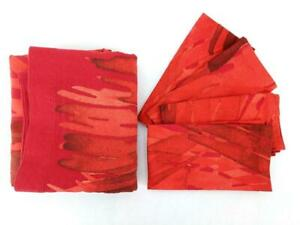Crate&Barrel Marimekko Ulappa Red Tablecloth 60 x 90in and 4 Napkins 21in Square