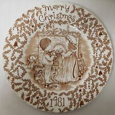 ROYAL CROWNFORD STAFFORDSHIRE BROWN AND WHITE VINTAGE CHRISTMAS PLATE 1981 EUVC