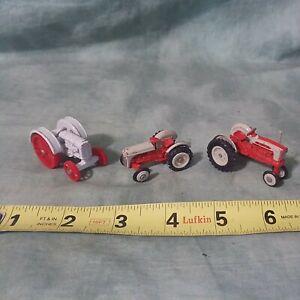 (3) LOT ERTL TRACTORS GRAY & RED FORD TRACTORS 3213Q,2863Q & 2264Q ¤