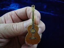 (M215-A) RAMIREZ Classical GUITAR pin JEWELRY BROOCH goldplated lapel guitars