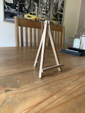 X6 Mini Wooden Easel (Gold)