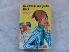 Berte Bratt - Moni träumt vom großen Glück - Schneider-Buch gebunden m Umschlag