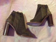 Real Suede Size 7 Ladies New With Tag Boots ( Party Fashion Funky Gift