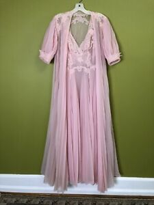 Vintage 70s Vanity Fair Pink Mauve Pleated Embroidered Bib Long Nightgown Lace Silky Satiny Nylon Embroidery