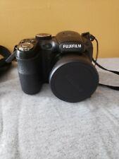 FujiFilm Finepix S1800 Digital Camera 12MP