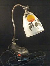 Jugendstil - Tischlampe, Bronzefuß, handbemalter Glasschirm, neu elektrifiziert