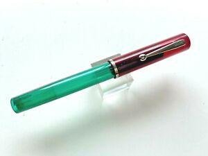 Sheaffer Red/Green No Nonsense Fountain Pen  FINE Nib 1990s Excellent Condition