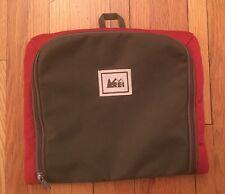 REI Hanging Toiletry Travel Bag Large Medium