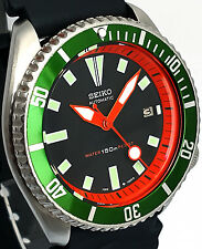Vintage mens watch SEIKO diver 7002 mod w/new ORANGE Chapter Ring & GREEN Bezel!