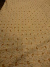 1,74x1,1 joli tissus ou rideau pret a étre placé